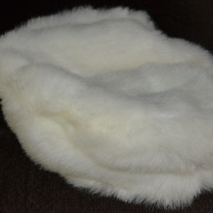 White Fur Like Material Beret Style Hat